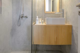 cassetta-ydreos-apartments-bathroom