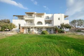 ydreos naxos apartments complex