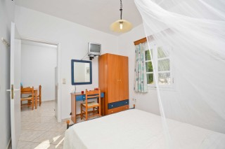 zefyros apartment ydreos room