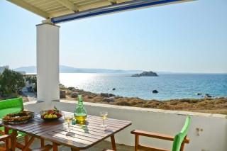 zefyros apartment ydreos sea view